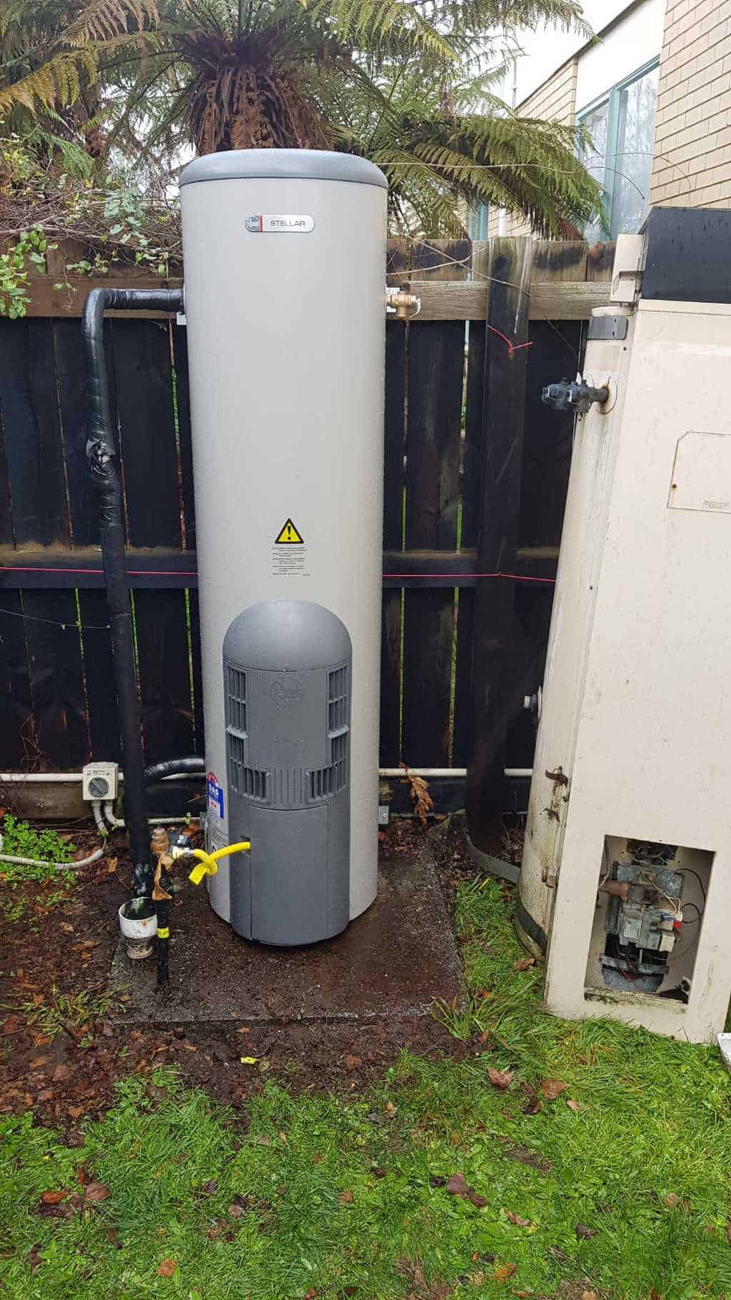 Outdoor Rheem Stellar Natural Gas Cylinder